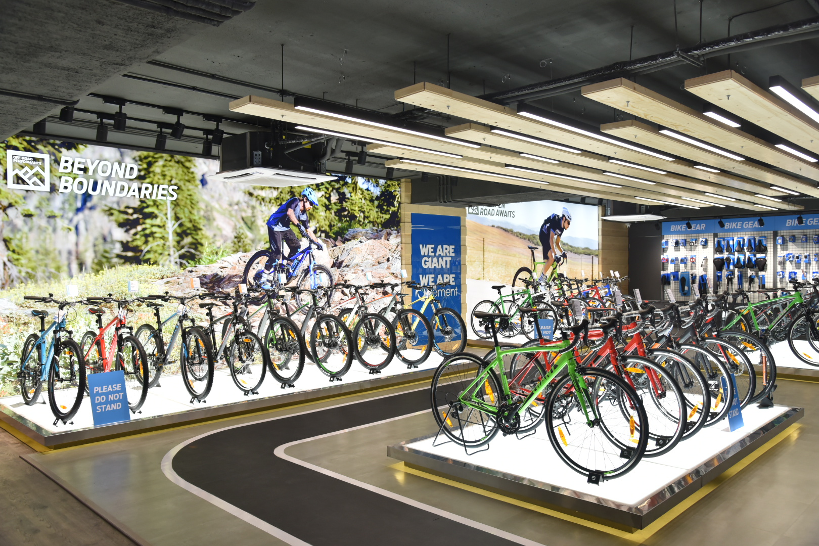 'Giant' bicycles launched its flagship showroom in Mumbai in collaboration with Element Retail