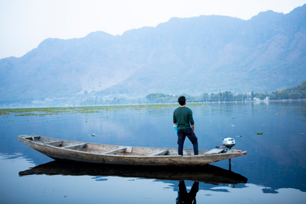 """Scenic beauty of Kashmir captured like never before in Zaheer-Pranutan Starrer Notebook"""