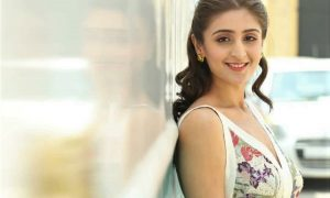 Dhvani Bhanushali sets a new record for Vaaste