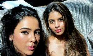 Shah Rukh's daughter Suhana Khan glows in dewy make-up look