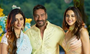 Ajay Devgan unveils De De Pyar De trailer on Birthday